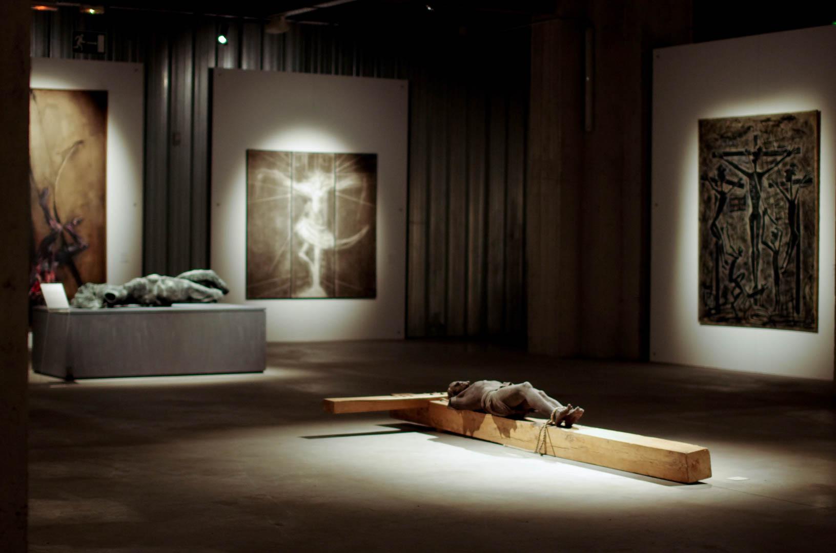 centre d'art sacre de lille crucifixions cathedrale notre dame de la treille 6056