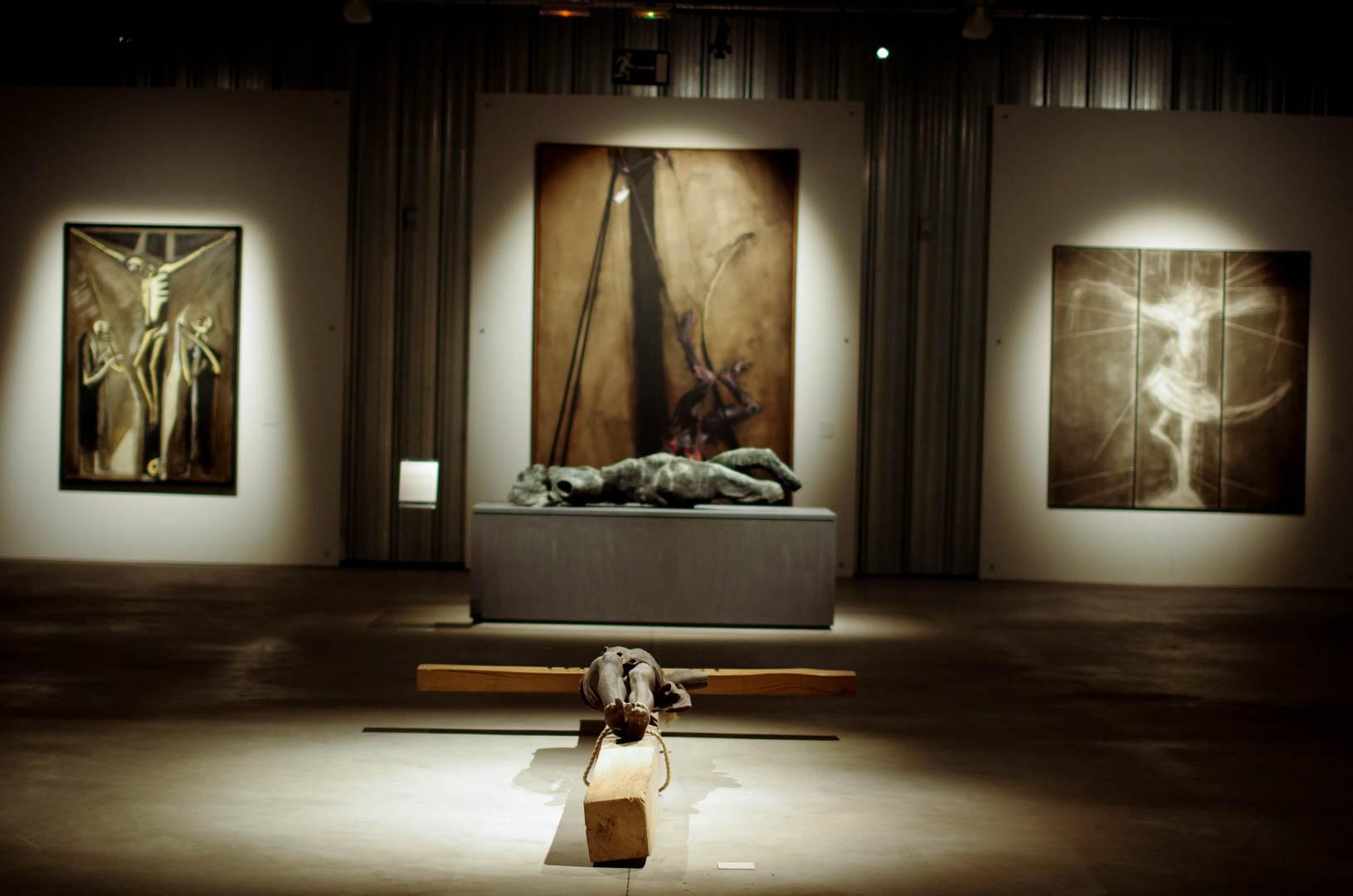 centre d'art sacre de lille crucifixions cathedrale notre dame de la treille 6066