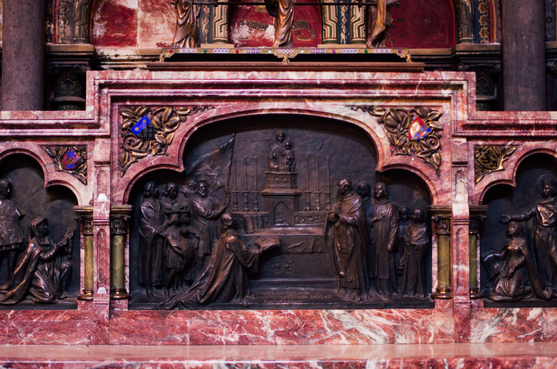 chapelle du bienheureux Charles le Bon autel cathédrale notre dame de la treille lille 6113