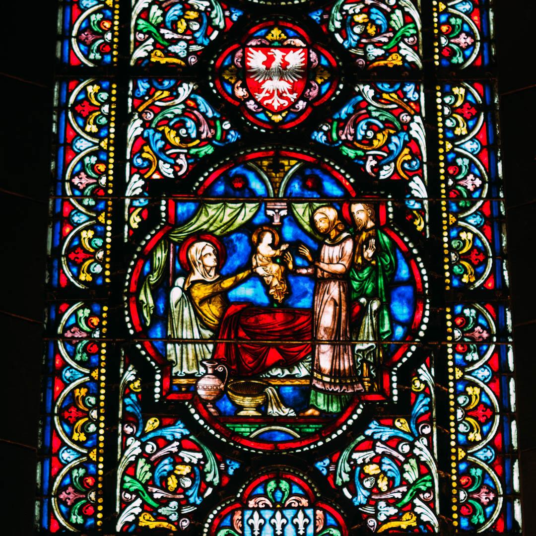 la nativité vitrail chapelle absidiale notre dame de la treille lille