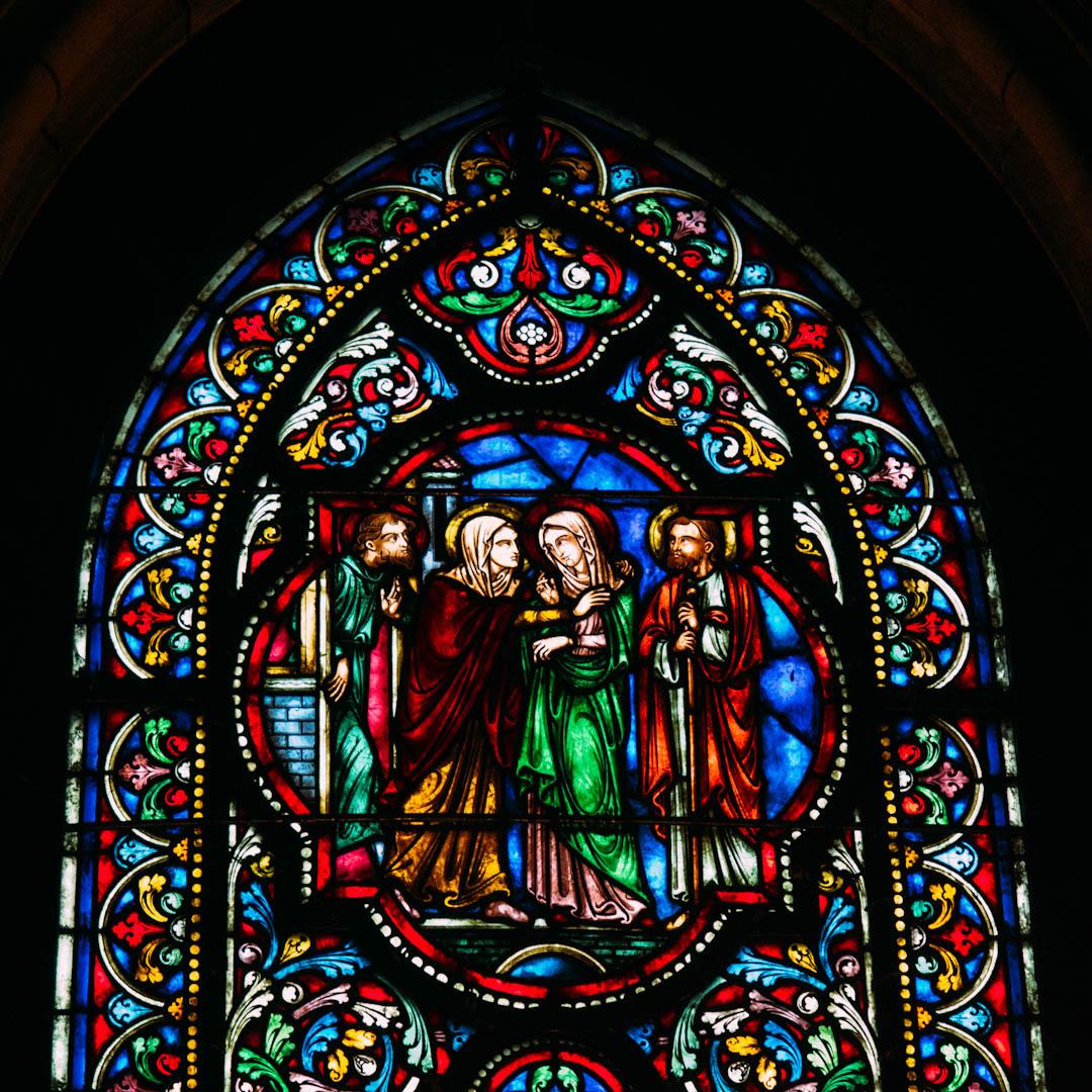 la visitation 1 vitrail chapelle absidiale notre dame de la treille lille