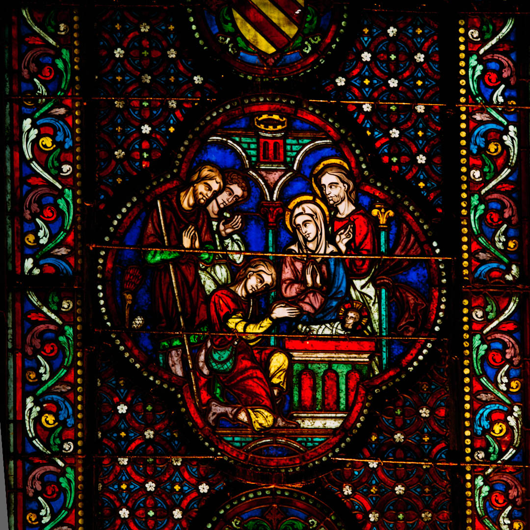 l'adoration des bergers vitrail chapelle absidiale notre dame de la treille lille