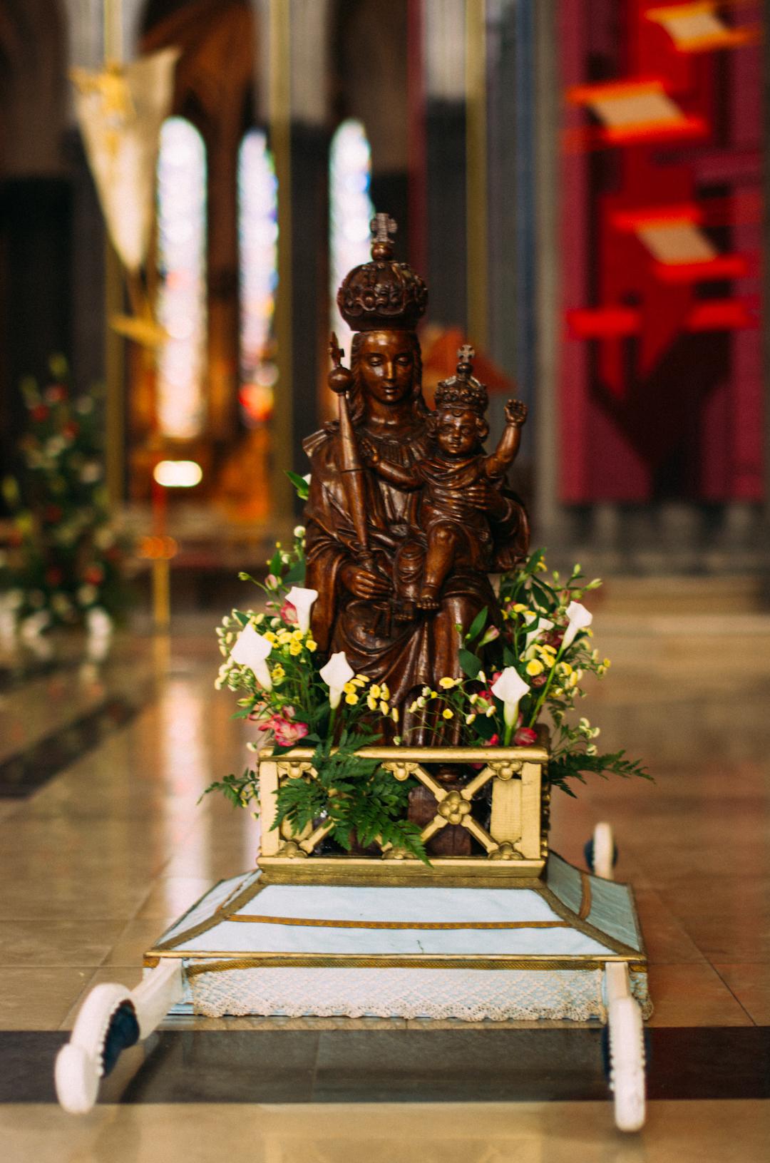 treille statue procession cathédrale notre dame de la treille lille