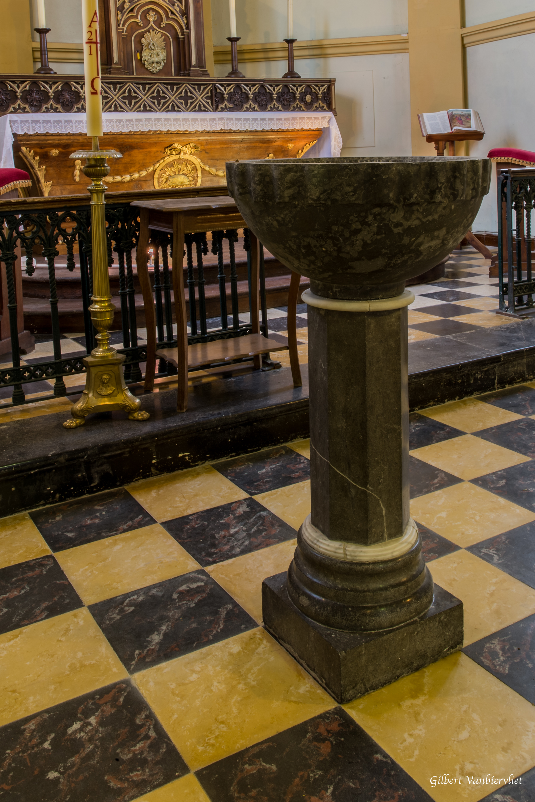 15 baptistère Louvil (2)