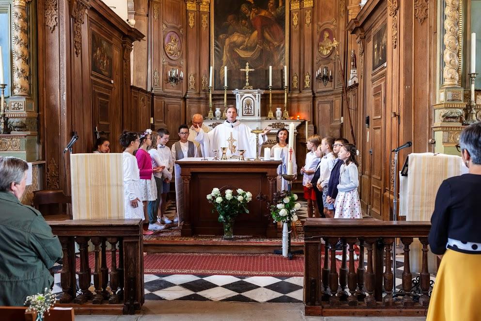 16 célébration Bourghelles communion