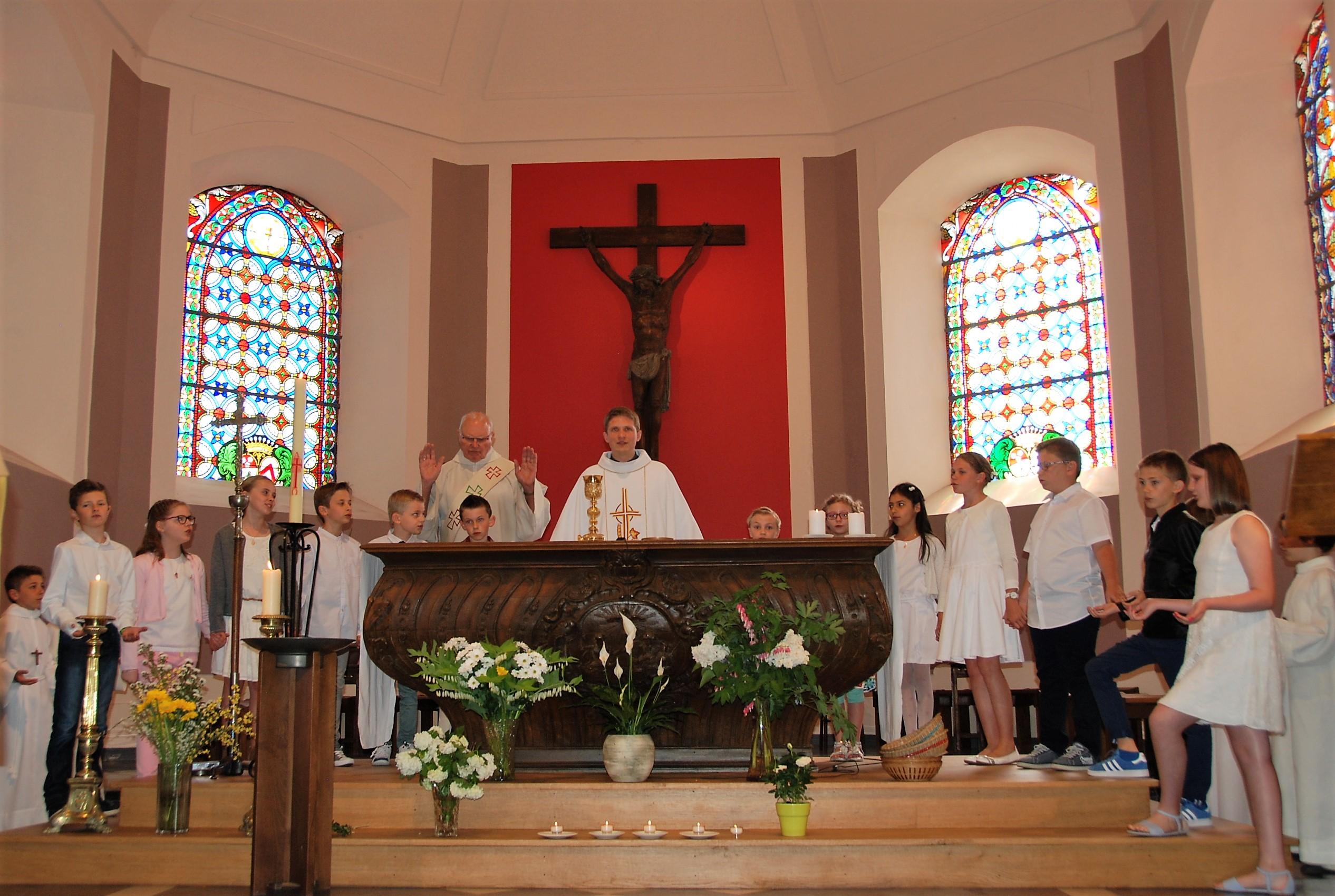 16 célébration Camphin communions