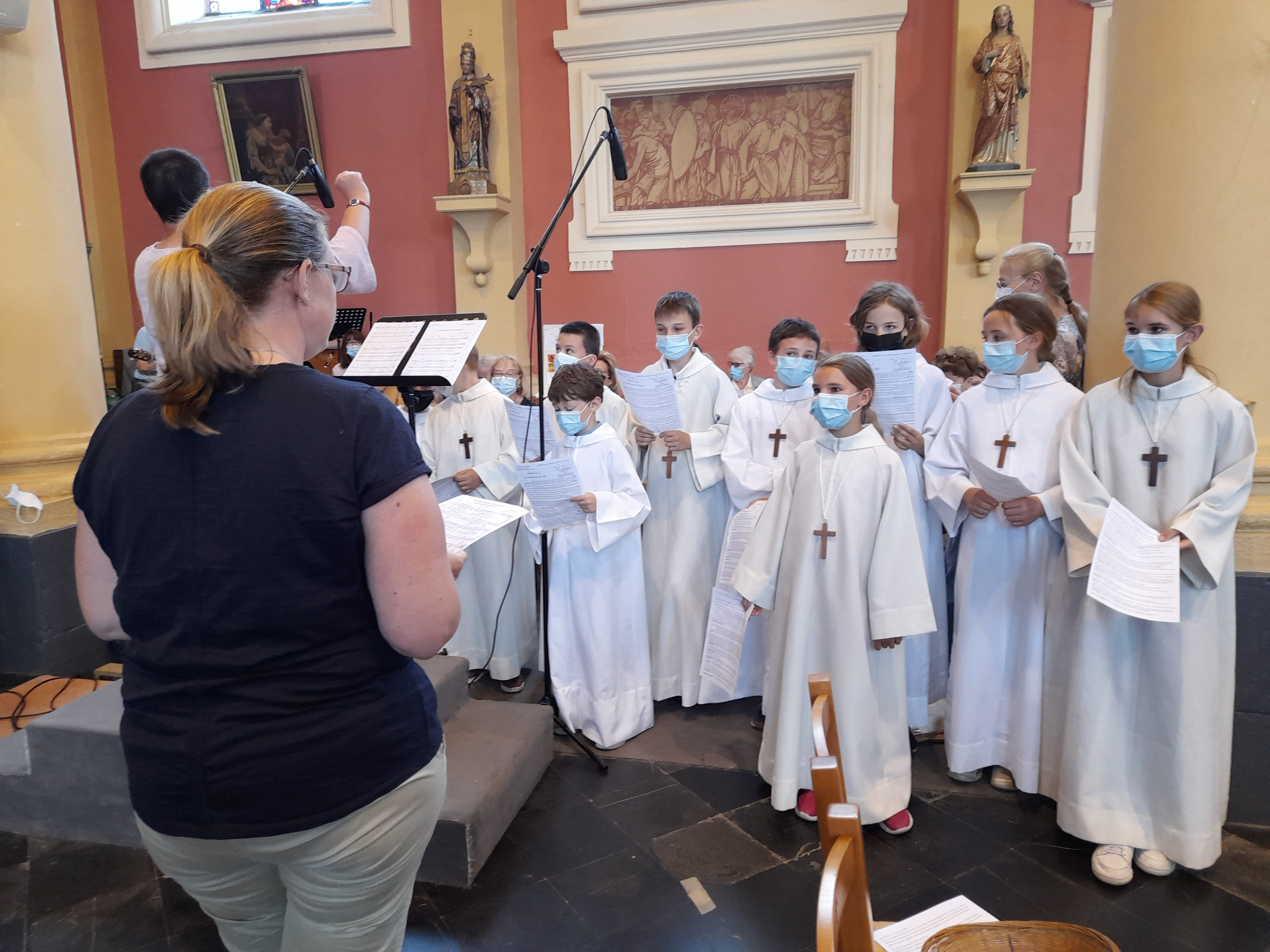 p8 photo 2 illustration chorale d'enfants